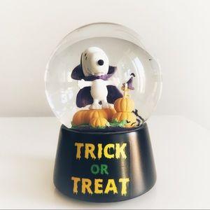 Snoopy Peanuts Halloween Bat 🦇 Water Globe 🎃